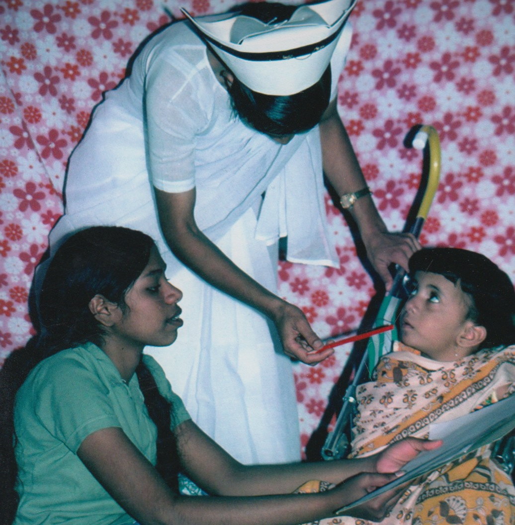 40 - lisa india in stroller