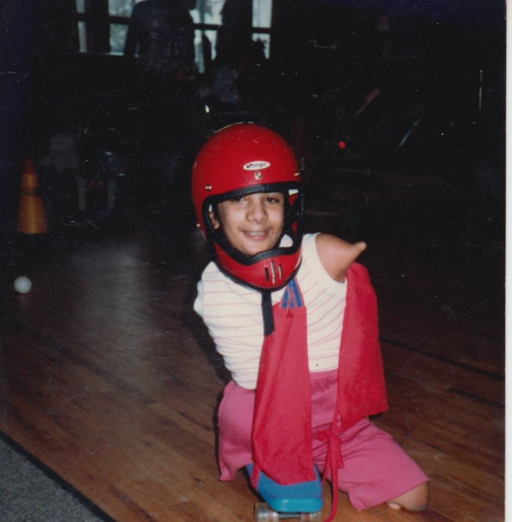 77 - lisa skate board age 5b